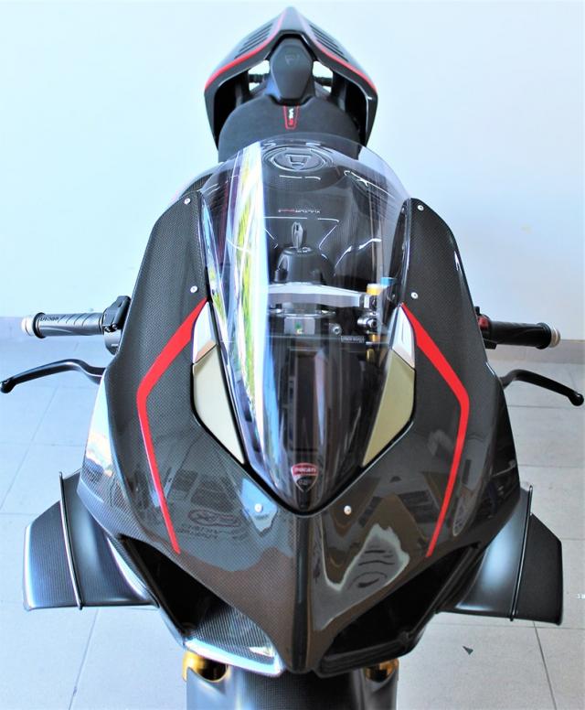 Can canh Quai vat Ducati Panigale V4 R trang bi full ao Carbon dep xuat sac - 5
