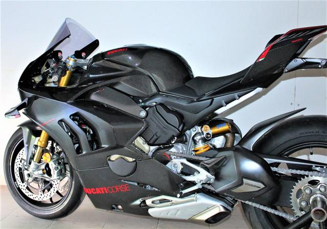 Can canh Quai vat Ducati Panigale V4 R trang bi full ao Carbon dep xuat sac - 14
