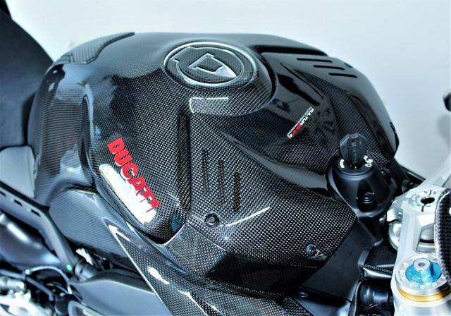 Can canh Quai vat Ducati Panigale V4 R trang bi full ao Carbon dep xuat sac - 7