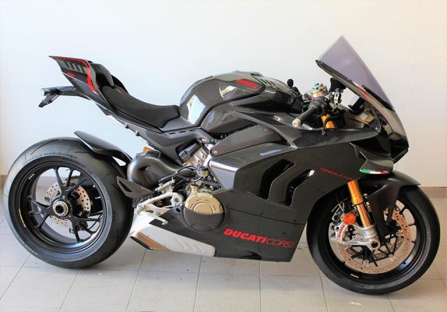 Can canh Quai vat Ducati Panigale V4 R trang bi full ao Carbon dep xuat sac - 16