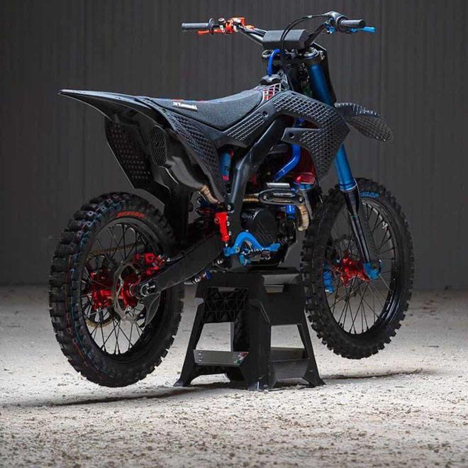 Cận cảnh chiếc mô tô địa hình Kawasaki KX 450 2019 bằng công nghệ in 3D Core - 2