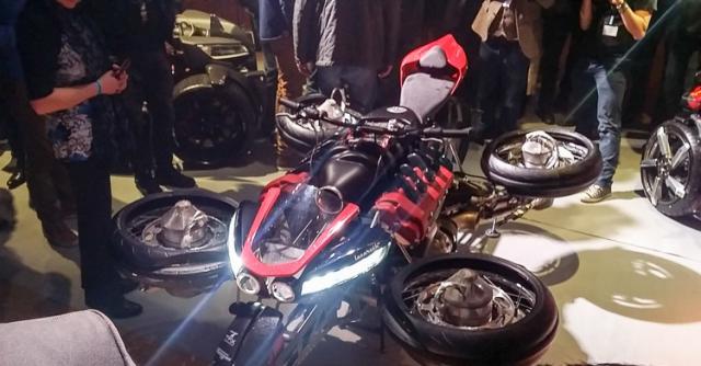 Lazareth LMV496 moto bay cua Phap chinh thuc trinh lang the gioi - 6