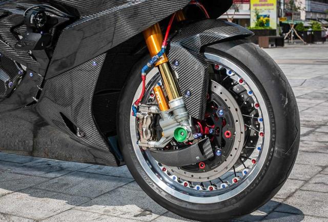 BMW S1000RR do banh cam doc nhat vo nhi cua Biker Can Tho