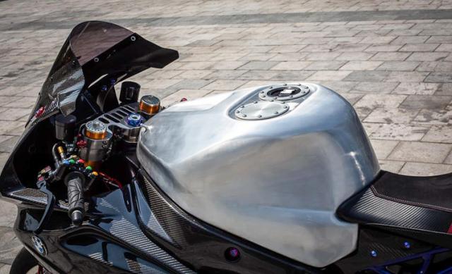 BMW S1000RR do banh cam doc nhat vo nhi cua Biker Can Tho - 8