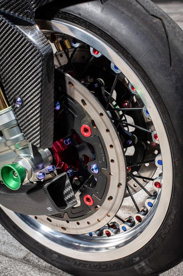 BMW S1000RR do banh cam doc nhat vo nhi cua Biker Can Tho - 17
