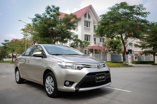 6 mẫu xe ô tô chạy dịch vụ tốt nhất tại Việt Nam: Xe Toyota chứng minh sức mạnh 4.
