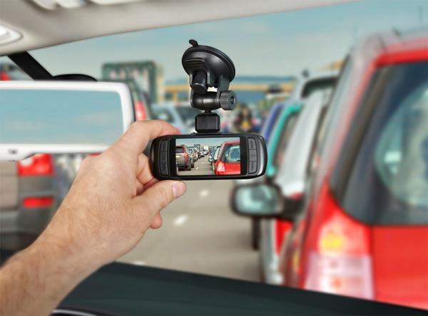 Camera hành trình - Thiết bị không thể thiếu dành cho oto xe máy - META.vn